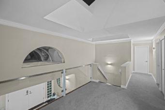 5064 Pinetree Crescent